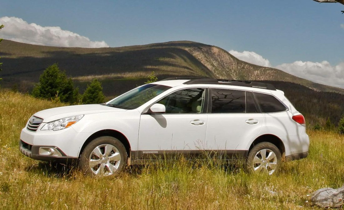 2010-subaru-outback-36r-photo-290514-s-1280x782